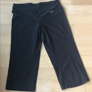 Nike dry fit Capri pants